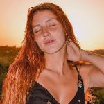 Blogger     Inês Correia - Criadora de conteúdo digital.